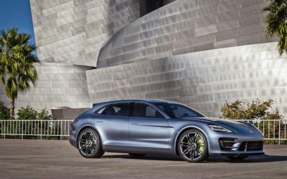 Porsche-Panamera-Sport-Turismo-Concept-front-three-quarters-2