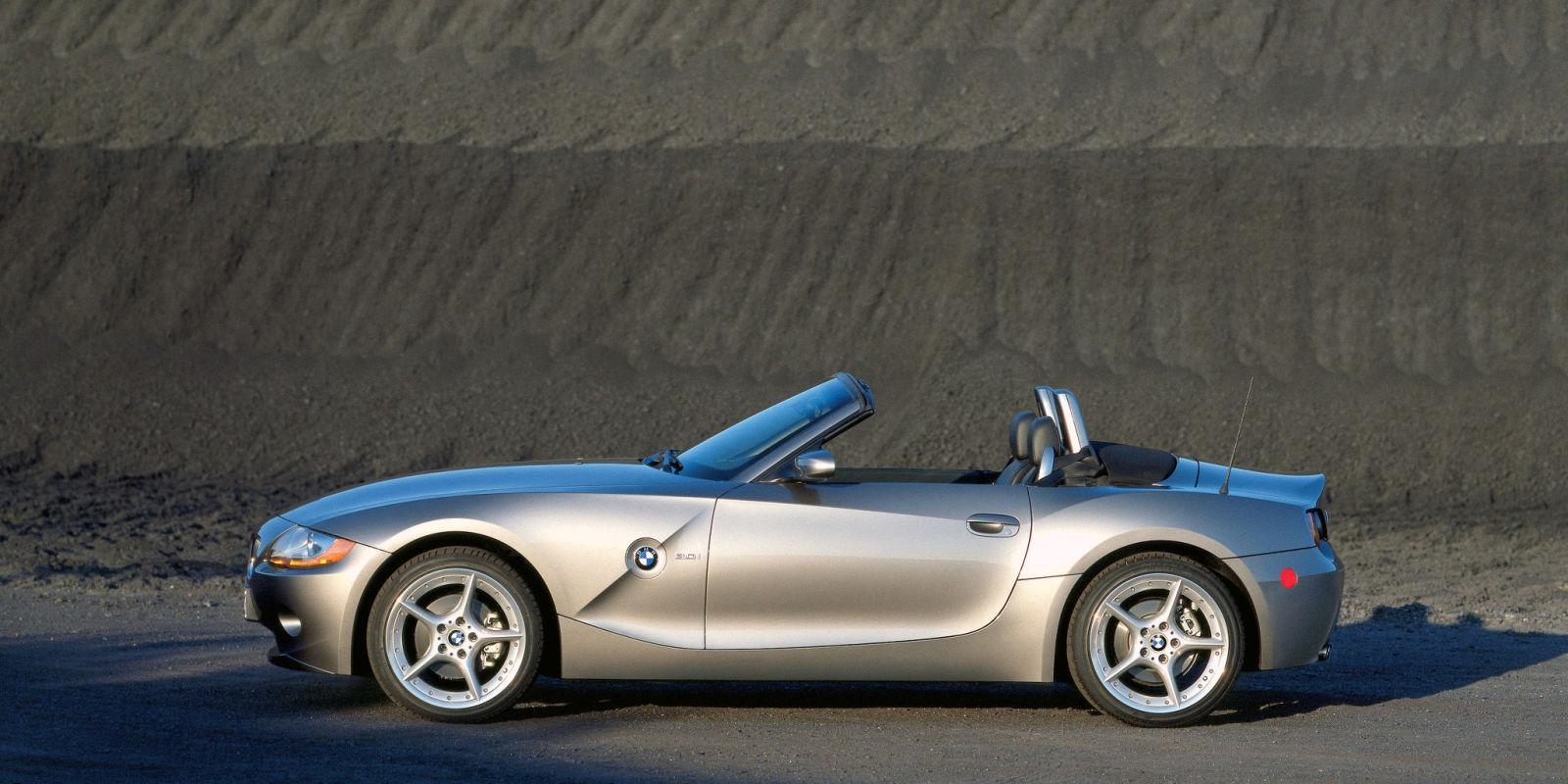 gallery-1466424936-images-bmw-z4-2002-7