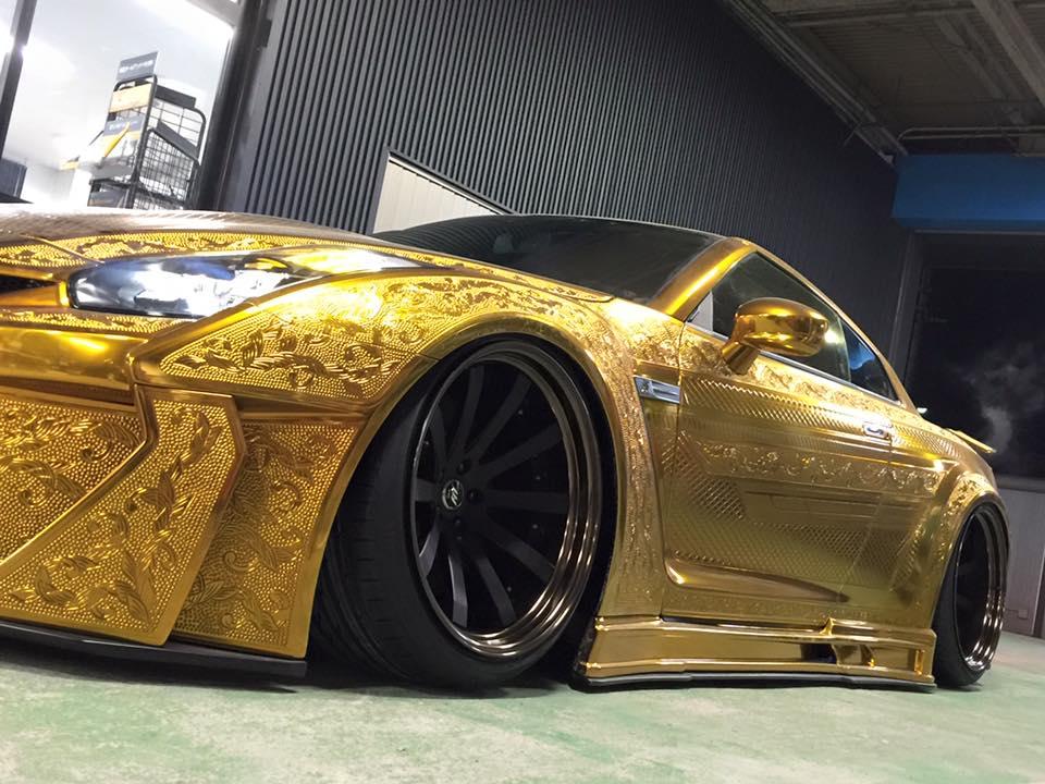 Nissan-GT-R-10
